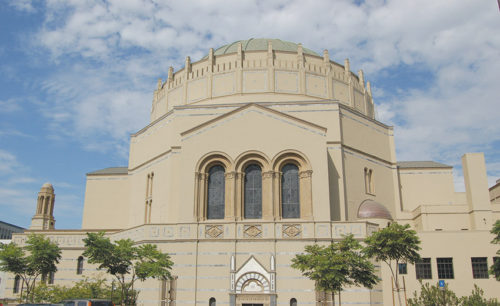Wilshire Boulevard Temple's domed sanctuary, one of the synagogue's defining features, dates to 1929. (photo by Edwin Folven)