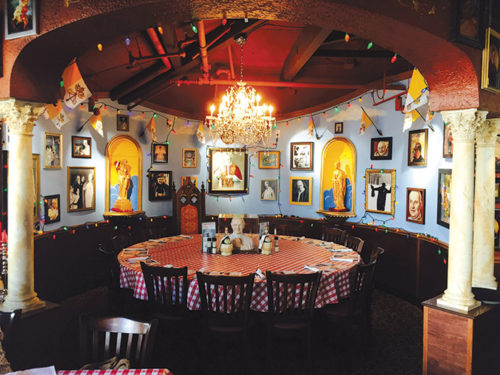 Fun family style dining at buca di beppo park labrea news beverly presspark labrea news - Buca di beppo pope table ...