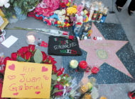 Singer Juan Gabriel mourned on Hollywood Walk of Fame