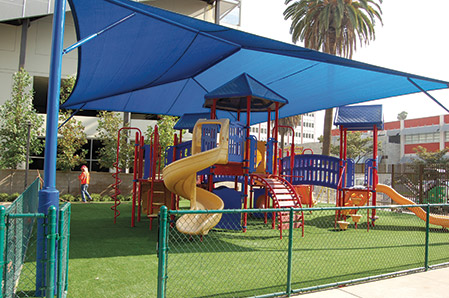 Brawerman East's playground is an inviting space for kids. (photo by Edwin Folven)