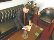 Lieu calls for controls on nuclear weapon use