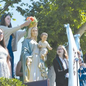 Immaculate Heart students celebrate Mary's Day. (photo courtesy of Callie Webb/Immaculate Heart)