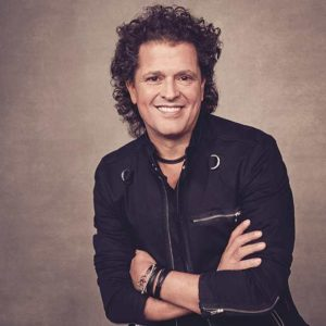(photo courtesy of the Grammy Museum Carlos Vives)