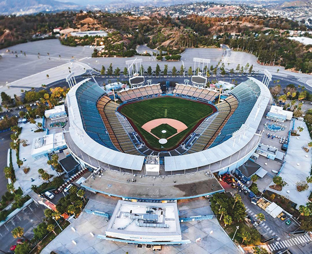 dodgers  fans  arrive early  opening day park labrea news beverly presspark labrea