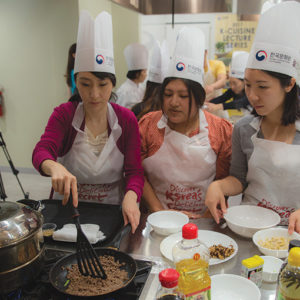 Upcoming cooking classes hosted by the Korean Cultural Center, Los Angeles will teach participants how to prepare Korean tea and kimchi. (photo courtesy of KCCLA)