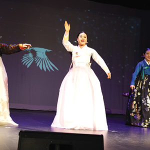"""The """"Korean Gyeonggi Folk Song Festival: Charm and Joy of Oulim"""" will perfrom Friday at KCCLA. (photo courtesy of KCCLA)"""