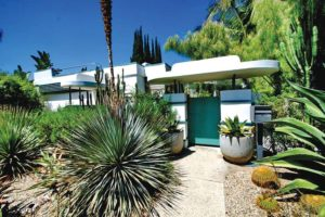 The home at 947 N. Martel Ave., briefly owned by the Academy Award-winning actor Wallace Beery, epitomizes the Streamline Moderne style with its smooth, aerodynamic lines. (photo by Michael Locke, courtesy of the Cultural Heritage Commission)
