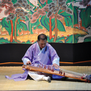 A concert featuring the gayageum – a Korean stringed instrument – will be held at the Korean Cultural Center, Los Angeles on May 17. (photo courtesy of the Korean Cultural Center, Los Angeles)