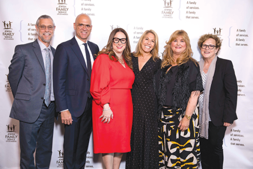 JFS recently held its annual gala honoring supporters. JFS President and CEO Eli Veitzer (left) joined Brett A. Paul and Susan Rovner, presidents of Warner Brothers Television and Warner Horizon Scripted Television; Tami Kupetz Stapf, JFS board member and vice chair of resource development; Shana Passman, JFS board chair; and Susie Forer-Dehrey, JFS executive vice president. (photo courtesy of JFS)