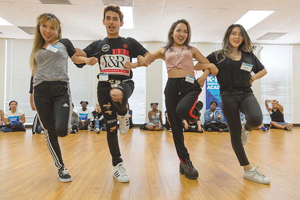 Singers and dancers can learn techniques at a free K-Pop Academy hosted by the Korean Cultural Center, Los Angeles in July and August. (photo courtesy of KCCLA)