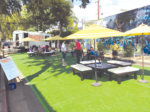 The Mid City West Community Council wants to make the space similar to the set up for Park(ing) Day in 2017. (photo by Joe Linton, Streetsblog L.A/courtesy of the Mid City West Community Council)