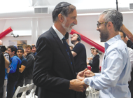 Shalhevet rabbi receives Jewish Educator Award