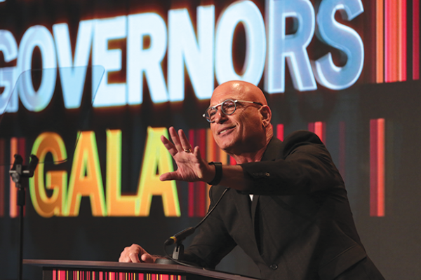 Comedian and actor Howie Mandel hosted the Cedars-Sinai Board of Governors Gala at the Beverly Wilshire Hotel. (photo by Alex J. Berliner/ABImages)