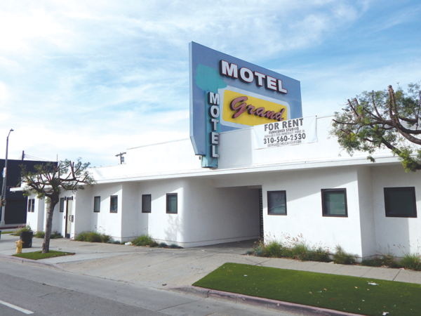 The city is considering a former motel on La Cienega Boulevard as a potential site for bridge housing. (photo by Edwin Folven)