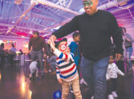Young Cedars-Sinai patients enjoy holiday festivities