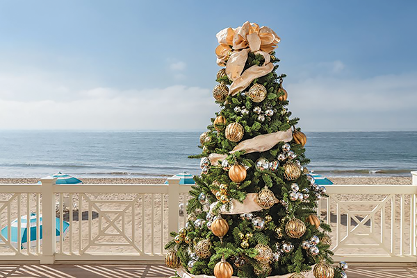 Experience a quintessential California Christmas on the beach in Montecito. (photo courtesy of Rosewood Miramar Beach Resort)