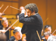 LA Phil extends contract for Dudamel