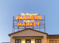 Farmers Market unveils retro sign