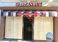 Man agrees to plead guilty in attack at Turkish cafe